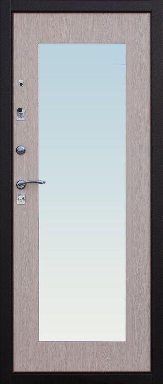 Металлическая дверь в квартиру с зеркалом